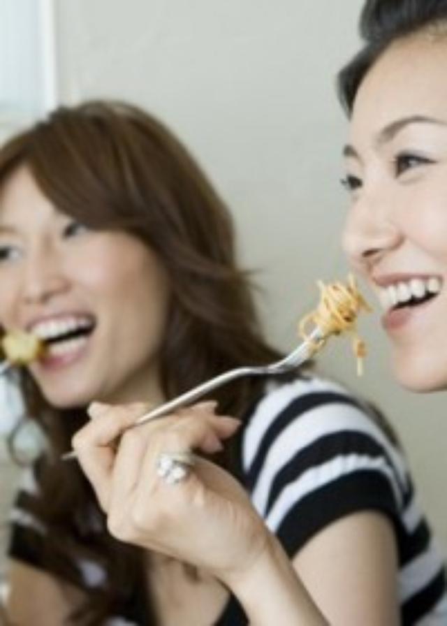 画像: マウンティング男子より切ない? 飲食店で見かける「イヲカル女子」