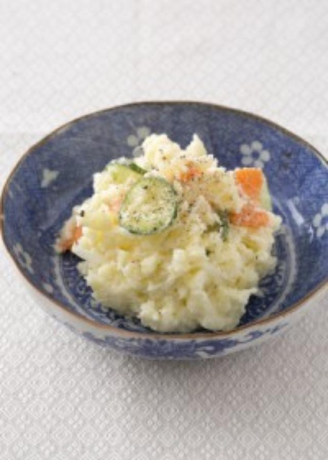 画像: ポテトサラダのきゅうりは塩じゃなくて砂糖でもむ!? 少しのひと手間で塩分が半分になる減塩レシピ