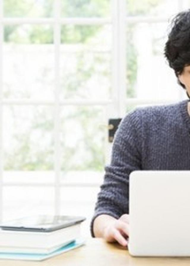 """画像: 休日出勤や残業が業務なら、""""家からメール""""手当も作るべき"""