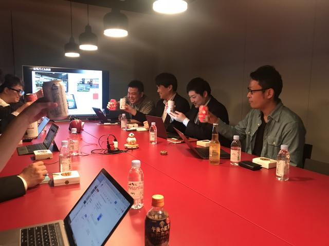 画像: 後半は恒例のフリートークセッション。米ウォルマートのオムニチャネル戦略について参加者のみなさんの興味が尽きない様子でした。また、自身の業界でオムニチャネルを活用するには?という視点をお考えでした。