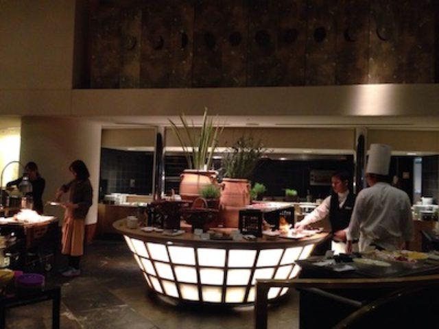 画像: 美味しいお料理やスイーツが並んでおります♡
