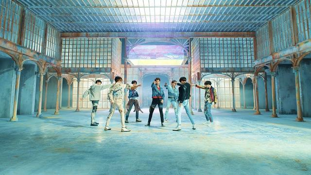 画像: BTS (방탄소년단) 'FAKE LOVE' Official MV youtu.be