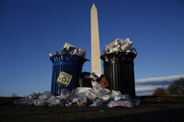 画像: 政府閉鎖、アメリカの国立公園はゴミだらけに