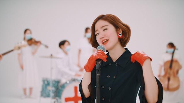 画像: 杏沙子「恋の予防接種」ミュージックビデオ(Short Version) youtu.be