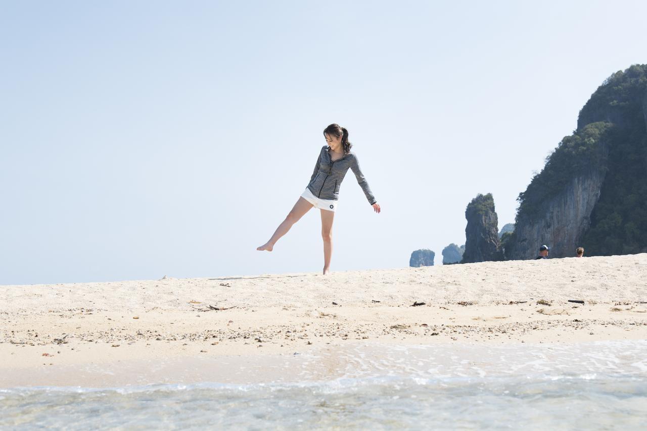 画像: ホン島上陸!