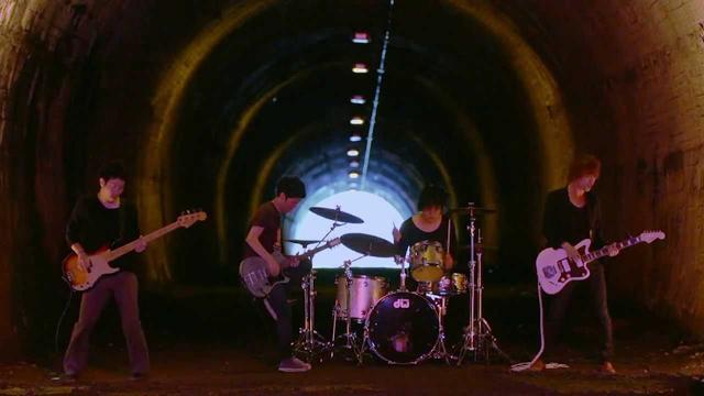画像: cinema staff 「great escape」MV(TVアニメ「進撃の巨人」後期EDテーマ) youtu.be