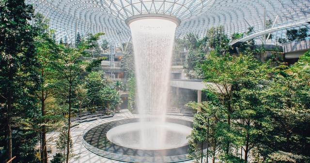 画像: シンガポール空港にオープンした新施設「ジュエル」がスゴイ。 今すぐ行きたくなる12枚の写真