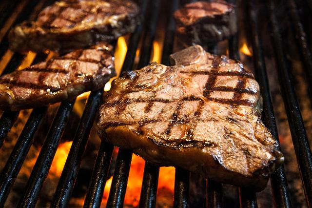 画像: Best Steak House in Waikiki for over forty years | Hy's Steak House Waikiki