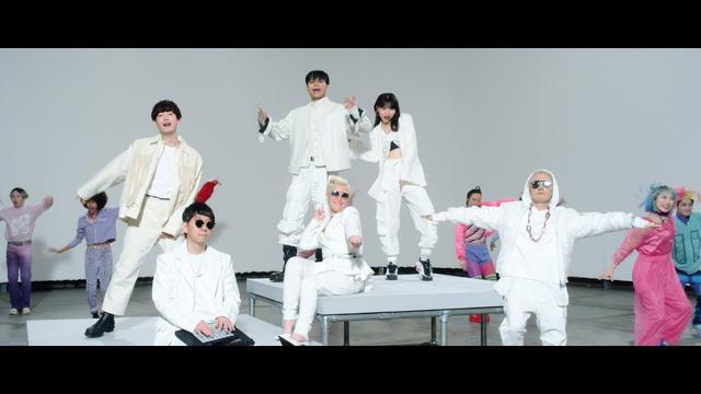 画像: tell me tell me / m-flo♡Sik-K & eill & 向井太一 Music Video youtu.be