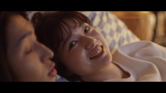 画像: 有華「愛が溢れて胸いっぱい」Music Video www.youtube.com