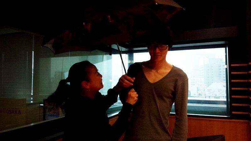 画像: ヒデキ傘持たんかい!