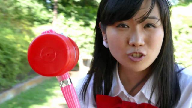 画像: 町あかり 「もぐらたたきのような人」MV www.youtube.com
