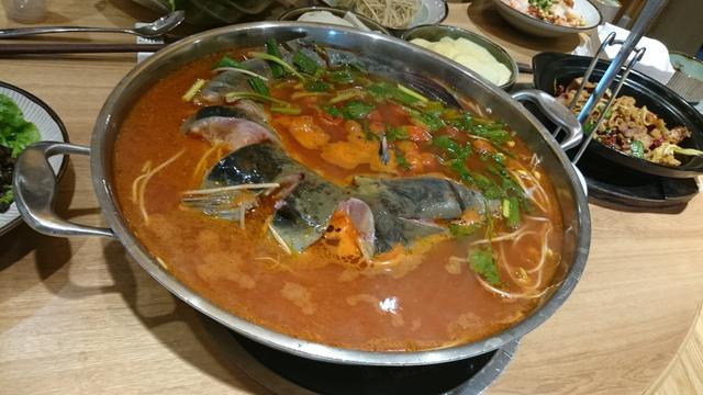画像: こんなお鍋料理もありました。 トマトベースのお魚のお鍋。 酸っぱかったそうです!意外!!