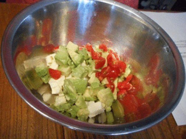 画像2: ポテチとチーズのメキシコ風サラダ