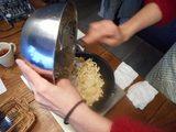画像4: じゃがいも と イカの塩辛 と チーズ の お好み焼き
