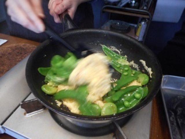 画像7: 豆野菜とチーズ入り卵の炒め物