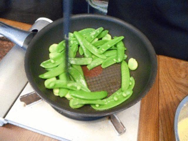 画像4: 豆野菜とチーズ入り卵の炒め物