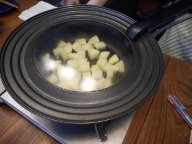 画像2: じゃがいもとレタスの粒マスタード炒め チーズ乗せ