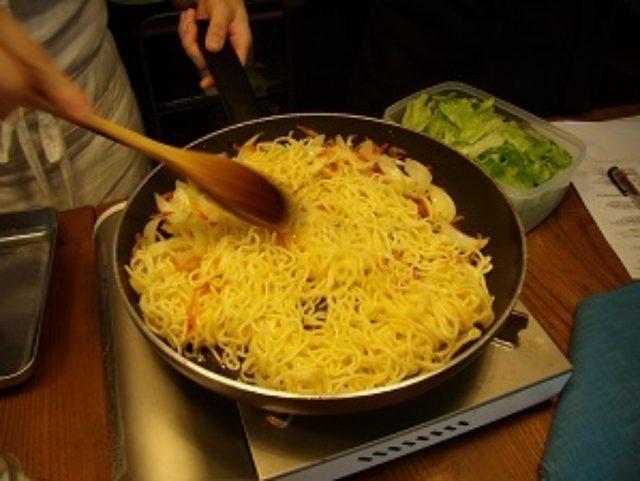 画像4: 桜海老とレタスの塩焼そば チーズ入り