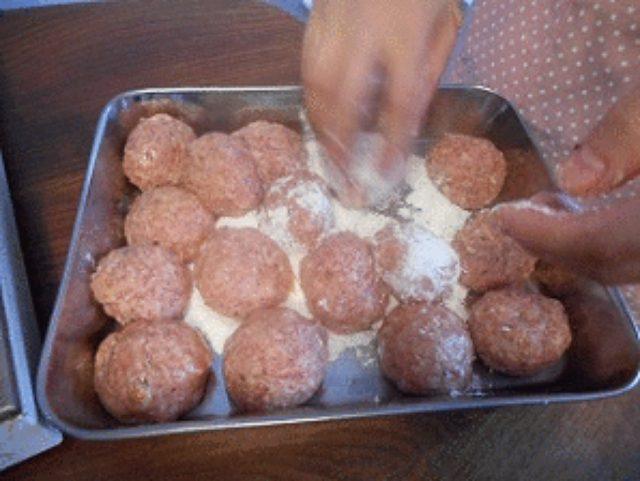 画像6: パルメザン風味の肉団子