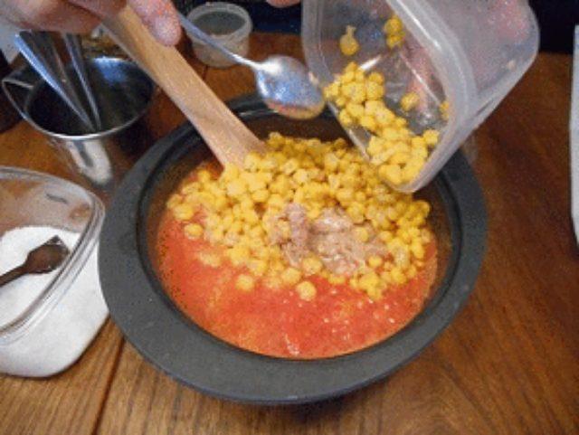 画像5: レンジでトマトソース ツナコーントマト丼
