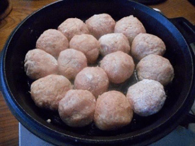 画像7: パルメザン風味の肉団子