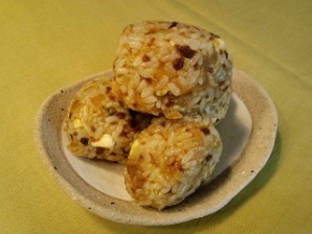 画像4: 残り物に福(福神漬け)あり!カレー風味のチーズそぼろおにぎり