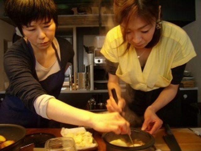 画像5: 新玉ねぎのレンジ蒸し とろーりチーズと鶏そぼろあんかけ