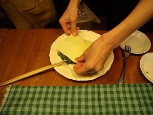 画像6: ほろ苦とチーズが絶妙!菜の花のレンジ蒸しチーズ乗せ