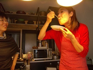 画像8: カレー味なら食べられるかな?カレーフォンデュ