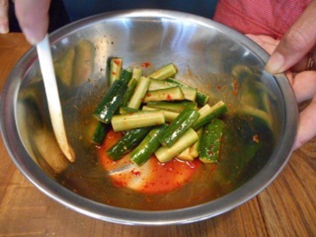 画像3: キュウリの豆板醤和え