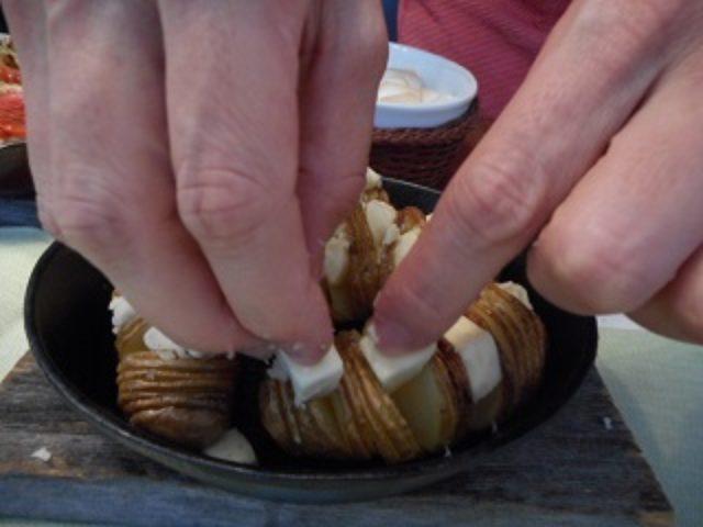画像5: ハッセルバックポテト いろいろチーズのせ
