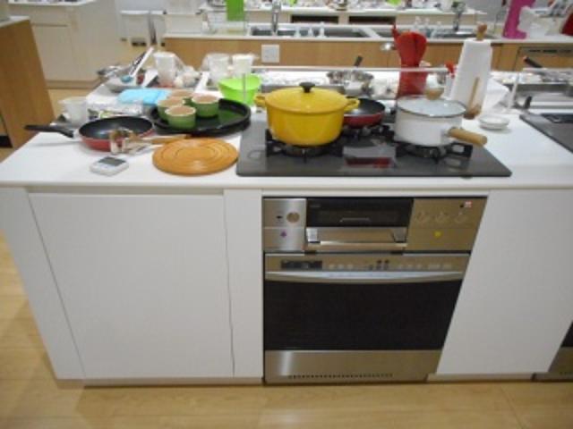 画像: 会場は、前回と同じ、大阪ガスの「hu+gMUSEUM」。 憧れのキッチン♡♡♡