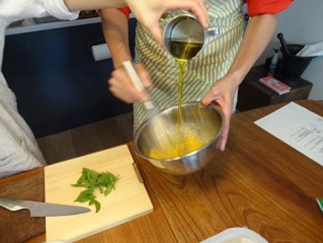画像2: ミントとオリーブオイルと瀬戸内レモンチーズのケーキ