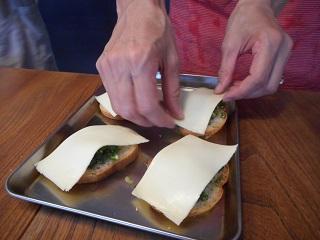 画像4: ねぎとチーズのカナッペ