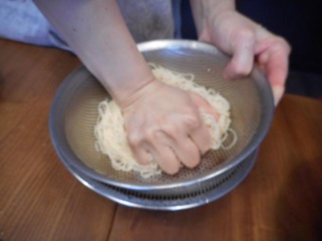 画像4: チーズとキムチのそうめん