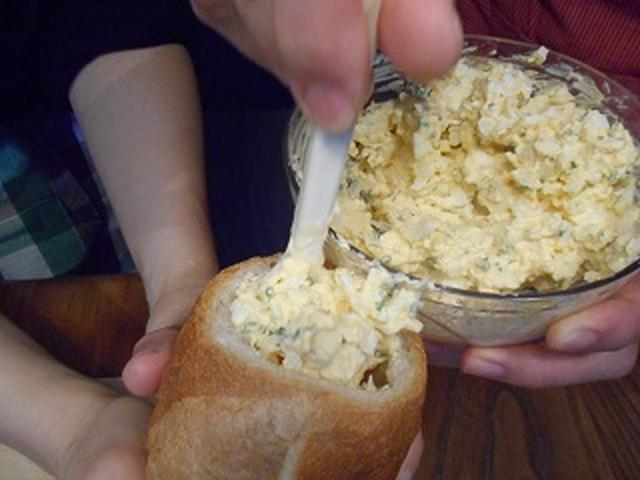 画像6: 卵とチーズのバケットサンド