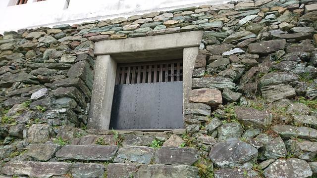 画像: 和歌山城整備企画課の新谷さんおすすめの隠れスポットの「埋門(うずみもん)」です。