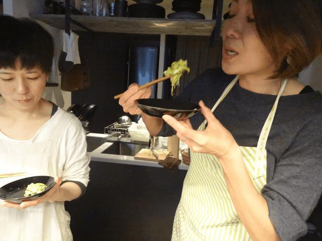 画像8: カニカマとズッキーニのチーズ炒め