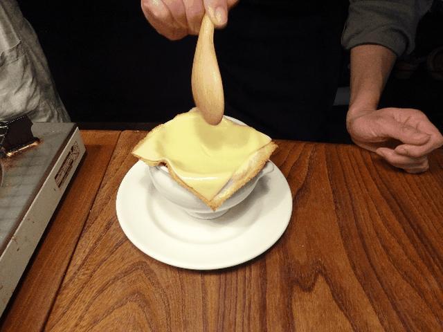 画像6: スープのポットパイ チーズ乗せ