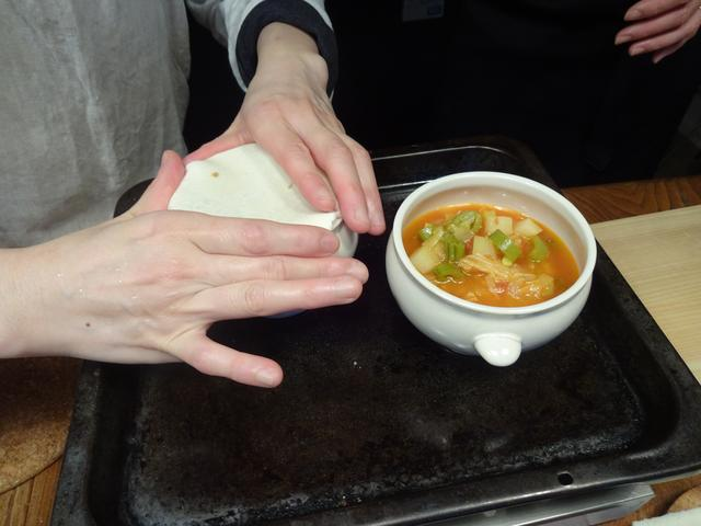 画像3: スープのポットパイ チーズ乗せ