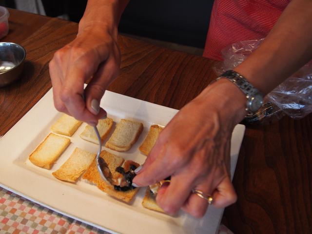 画像4: チーズのたらこ和えのカナッペ