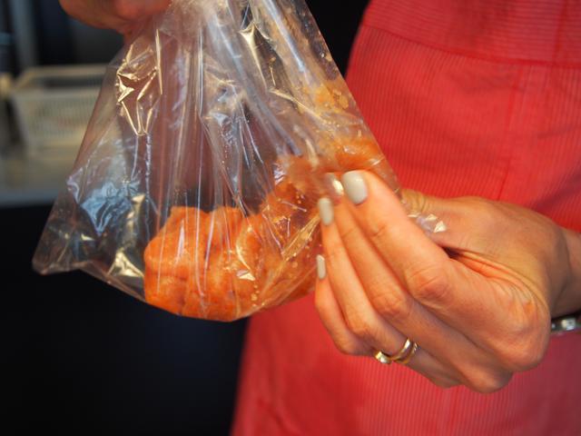 画像2: チーズのたらこ和えのカナッペ