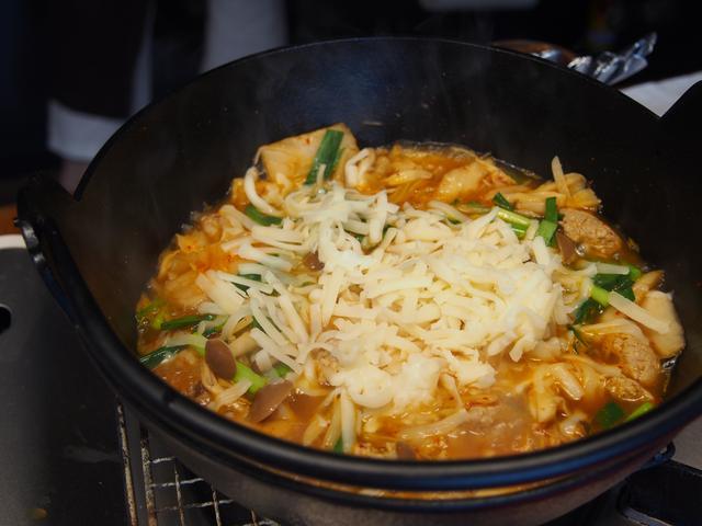 画像6: 韓国風肉団子のスープ煮 チーズ乗せ