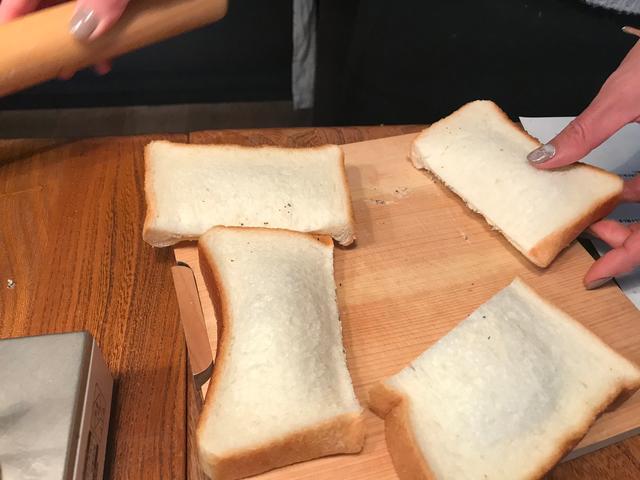 画像4: 紅茶とラムレーズンのクリームパン