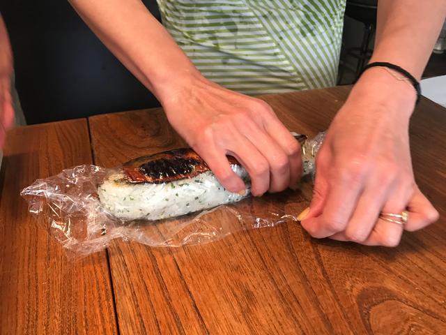 画像4: サバのみりん干し焼きの チーズ入り棒寿司