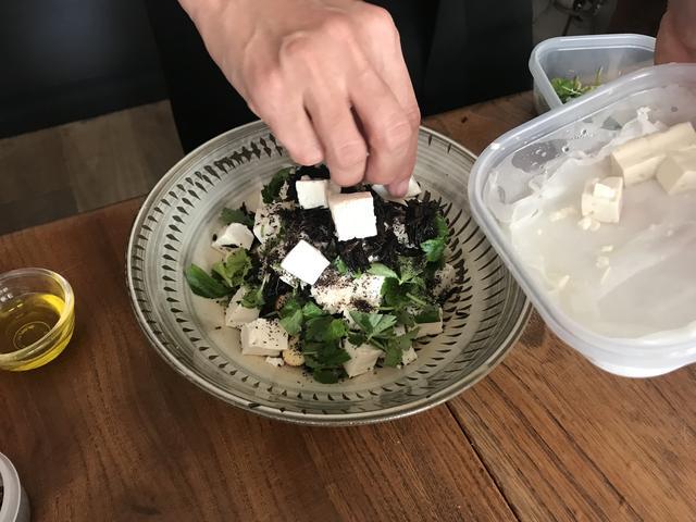 画像4: ヒジキと豆腐とチーズのトスサラダ