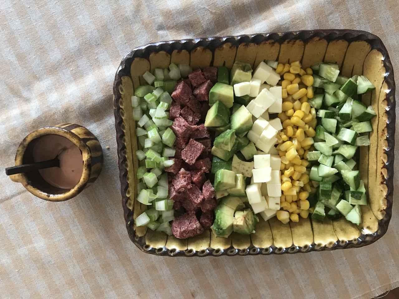 画像5: コンビーフとアボカドとチーズのコブサラダ