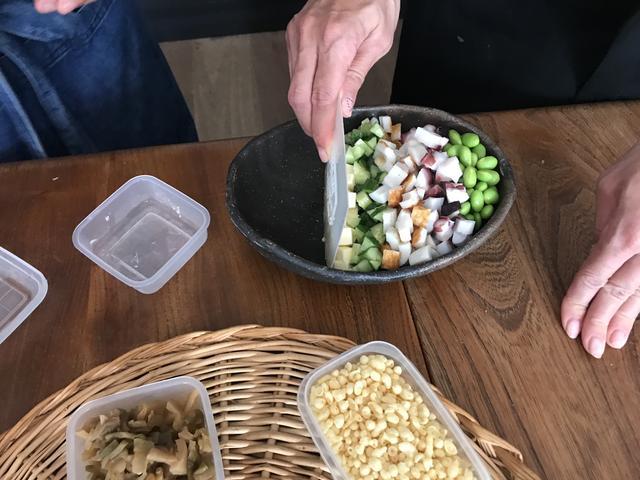 画像2: たことザーサイとチーズのコブサラダ