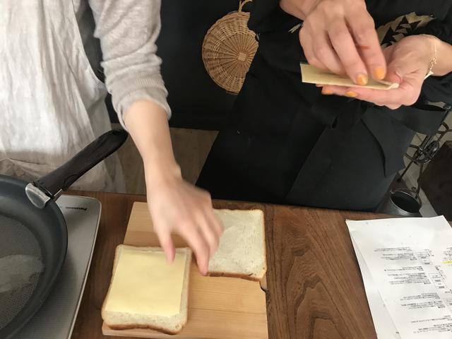 画像2: マッシュルームとチーズのサンドイッチ